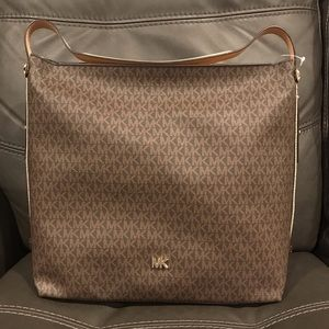 BRAND NEW: Michael Kors (MK) Large Handbag